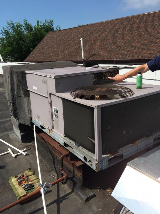Commercial Rooftop A/C Service in Smithtown, NY